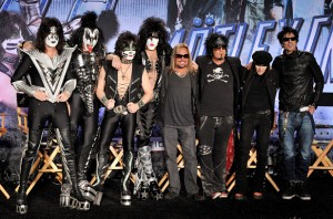 kiss motley crue the Cricket Wireless Amphitheatre