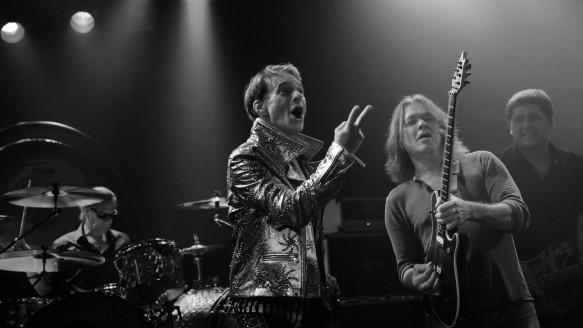 Van Halen & Kenny Wayne Shepherd